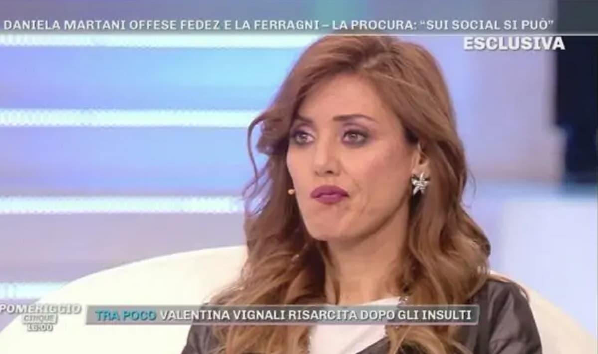 Isola dei Famosi Daniela Martani concorrente, polemiche sulla No-Vax nel  reality