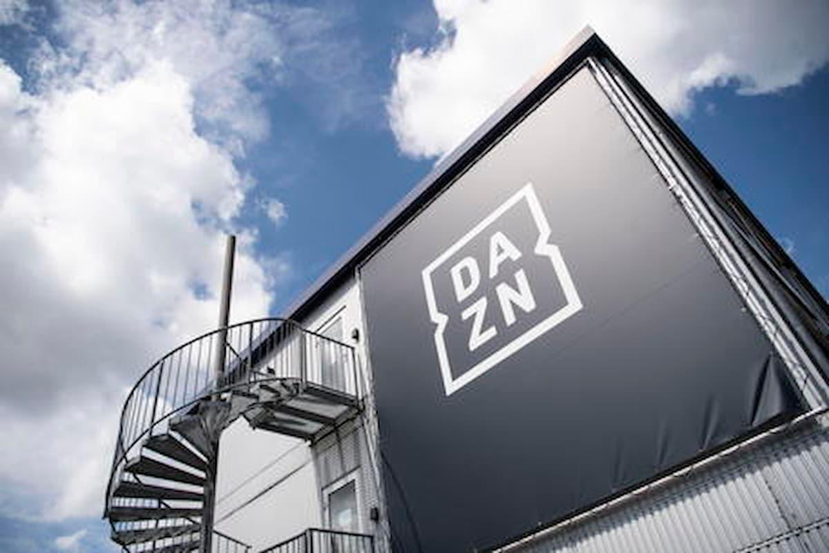Calcio in tv, i tifosi traditi, le società scelgono Dazn, per il popolo una botta da quasi 400 euro all'anno