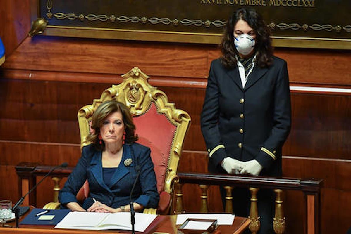 Donne al comando (nella foto Elisabetta Casellati, prima donna nella seconda carica dello Stato) Italia migliore? Sondaggio: i problemi sono altri; e la rissa Serracchiani - Madia lo conferma