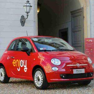 Enjoy, sanificazione automatica degli abitacoli e Fiat 500 ibrida: le novità del car sharing di Eni