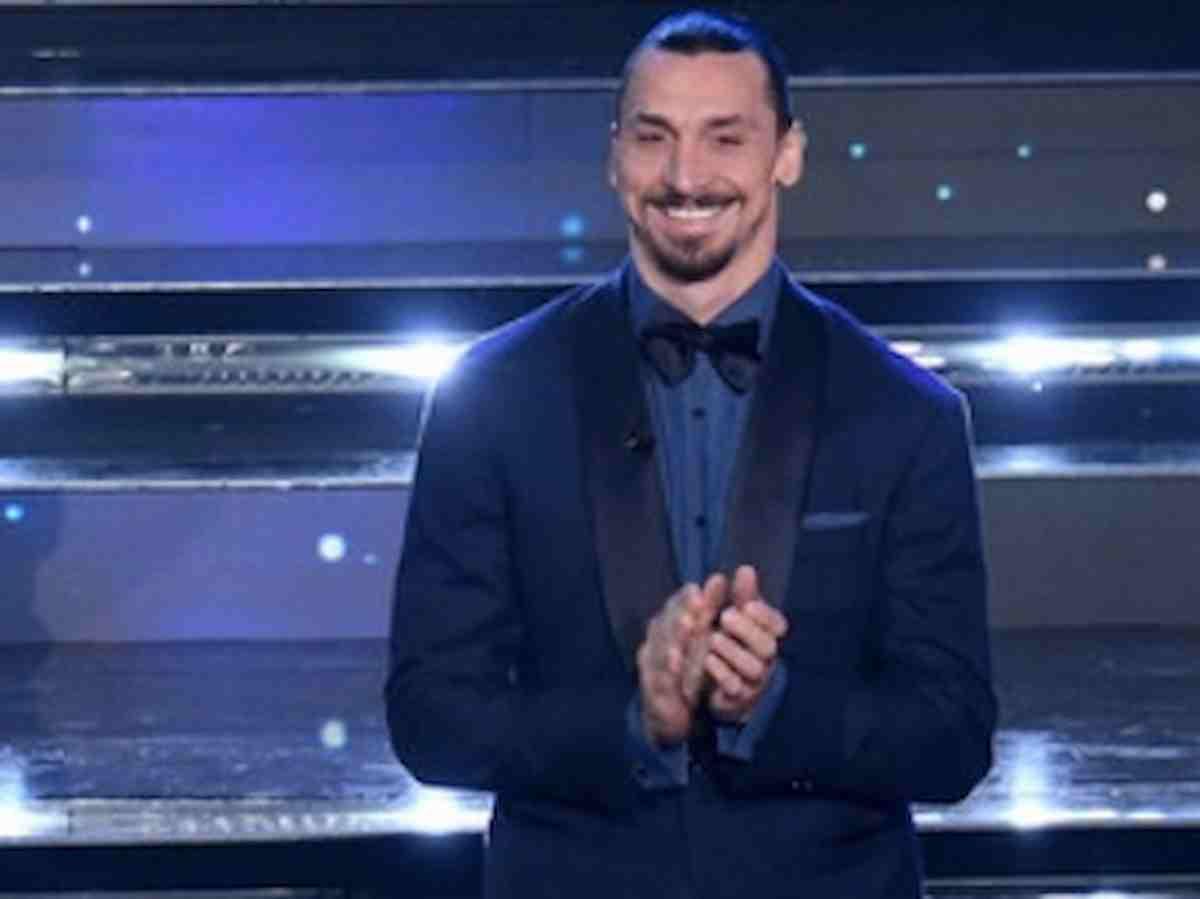 """Sanremo 2021, Ibrahimovic e la battuta su Amadeus: """"Sono arrivato in moto perché ho pensato: senza me non ce la fa"""""""