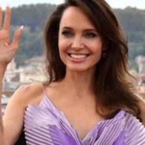 Angelina Jolie accusa Brad Pitt di violenze domestiche, l'attore è distrutto: vuole passare più tempo con Maddox, Zahara gli altri figli
