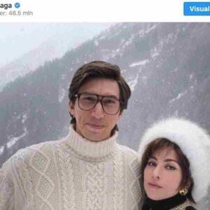 """Lady Gaga e Adam Driver in Valle d'Aosta, la prima foto dal set film """"House of Gucci"""""""