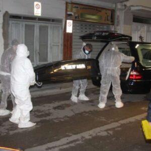 Massafra (Taranto): uccide moglie e suocera, confessa duplice omicidio poi scappa e si impicca