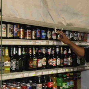 Minimarket e vendita alcolici dopo le 18, ora il Comune di Roma prepara la stretta