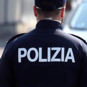Como, migrante aggredisce due poliziotti