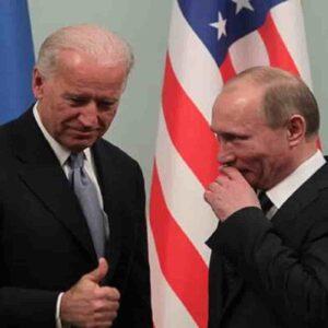 """Putin risponde a Joe Biden: """"Le auguro buona salute. Assassino? Chi lo dice sa di esserlo"""""""