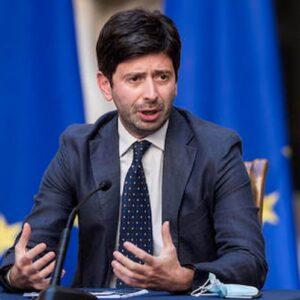 Premio Nobel per la pace, nella rosa i medici e infermieri italiani mentre Speranza promette ma pochi ci sperano