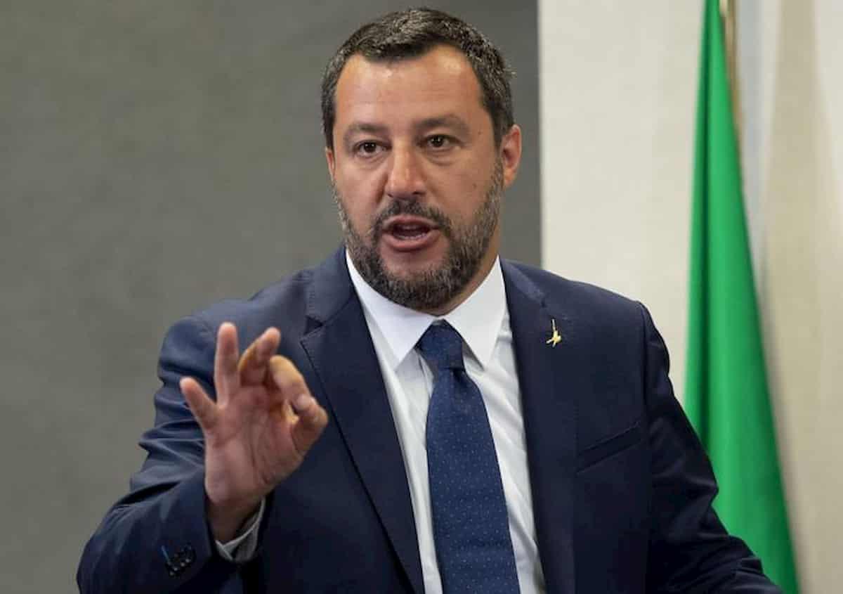 Salvini: riaprire tutto che tanto non succede niente. E che verità non distrugga illusione
