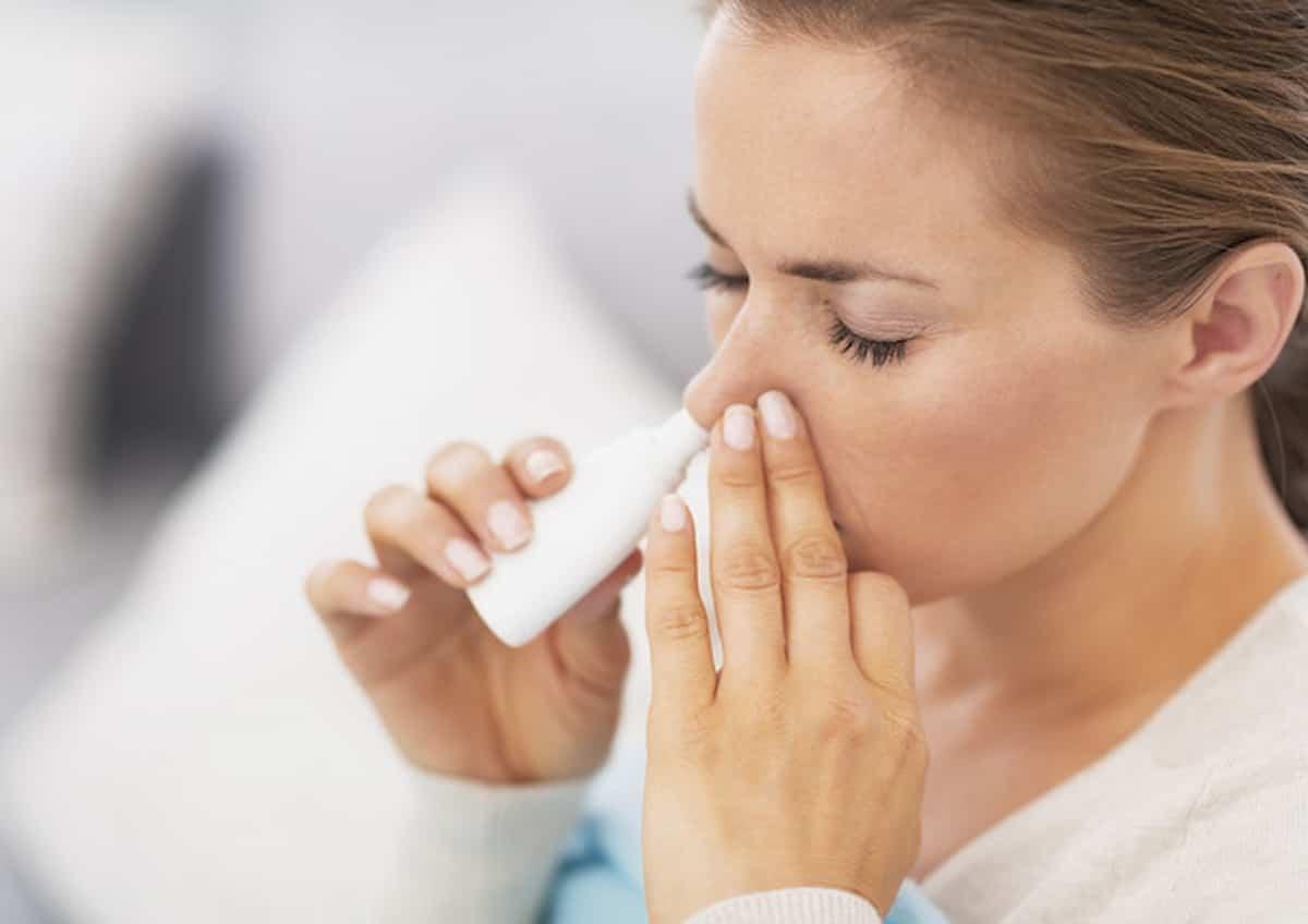 Vaccino AstraZeneca versione spray nasale