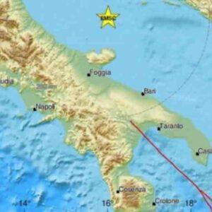 Terremoto Puglia, scossa avvertita fino a Bari e in Campania: epicentro nel mar Adriatico, su WhatsApp impazzano messaggi