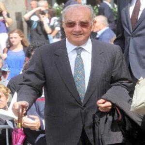 """Carlo Tognoli, morto l'ex sindaco socialista di Milano. Aveva 82 anni. Bobo Craxi: """"Un grande dolore"""""""
