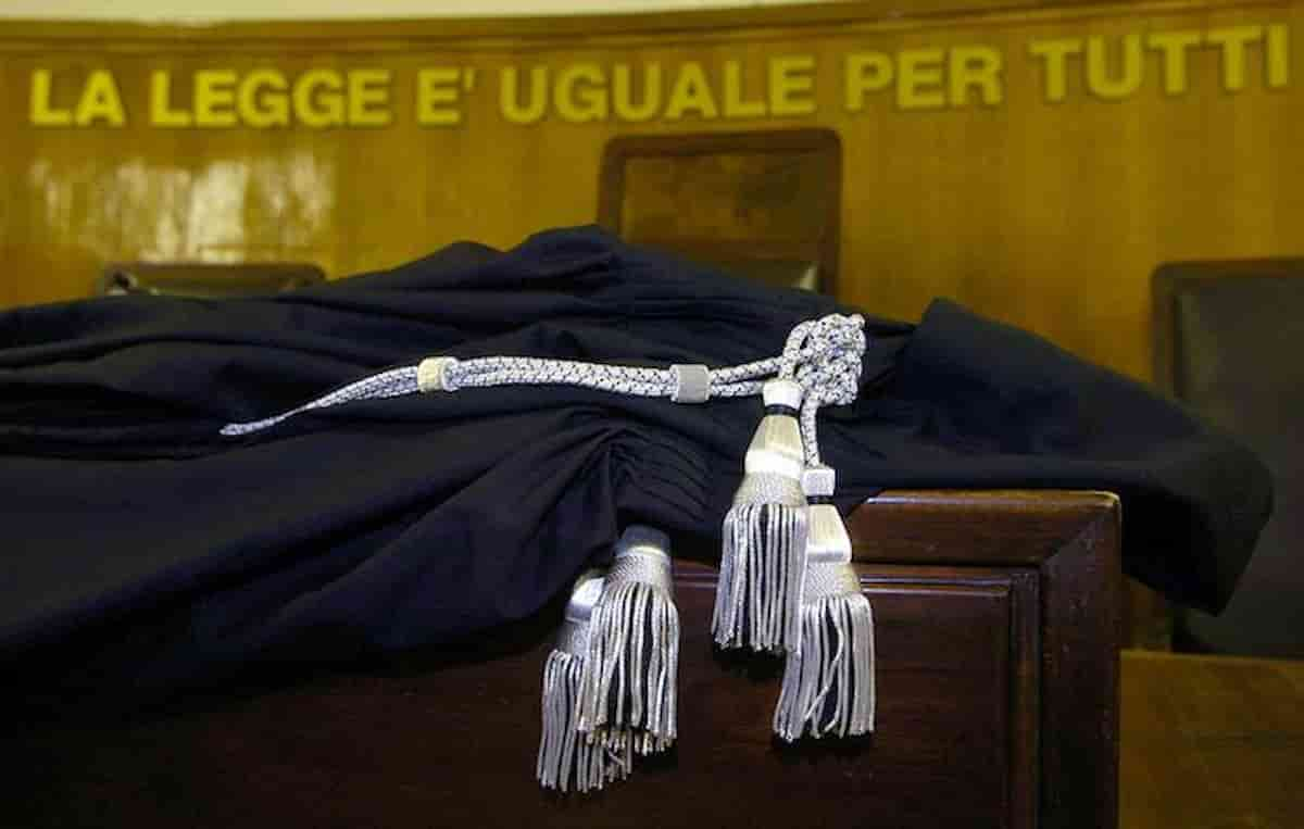 Magistrati e vaccino: i 5 che l'hanno ricevuto a Fiumicino, giudici dell'Antimafia saltano la fila?