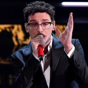 Sanremo 2021: Willie Peyote insulta Ermal Meta e Francesco Renga, poi chiede scusa