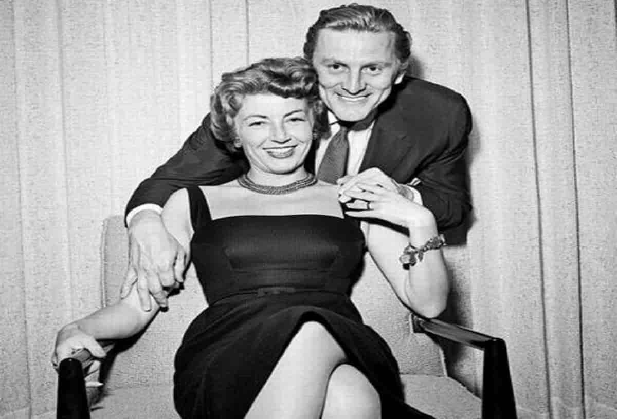Anne Douglas vedova Kirk