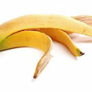 Fiori e piante, fertilizzante all'acqua di banana: devi mischiare bucce, zucchero di canna e acqua
