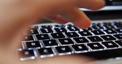 Bonus PC e internet, polemiche tra sostenitori e detrattori