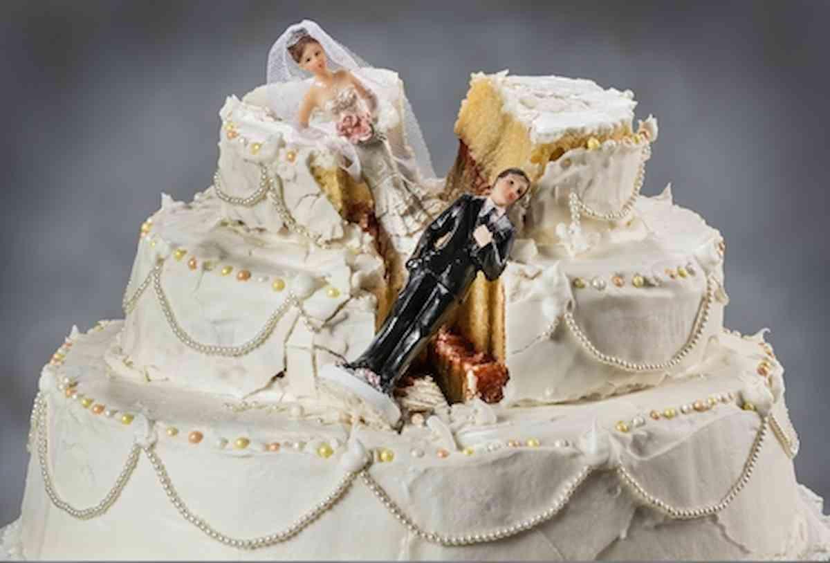 Gb, il divorzio più costoso della storia: alla moglie 453 milioni, padre e figlio complottavano per nascondere i soldi