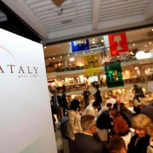 Eataly chiude i negozi di Bari e Forlì: a casa 80 dipendenti, non riapriranno neppure dopo il Covid
