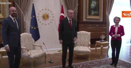 """Erdogan, Charles Michel sulla sedia negata a von der Leyen: """"Non ci dormo più la notte"""""""