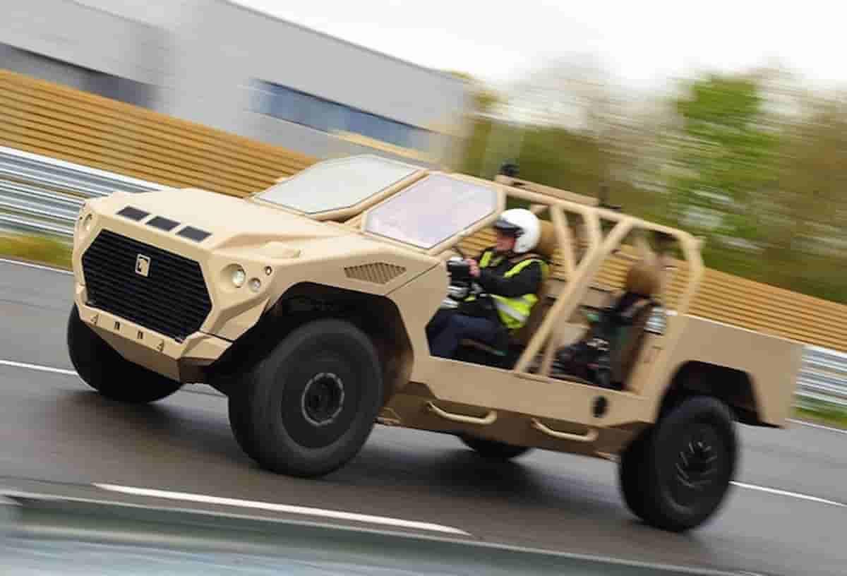 Esercito eco friendly in Gran Bretagna: mezzi militari elettrici e con carburante riciclato per il cambiamento climatico