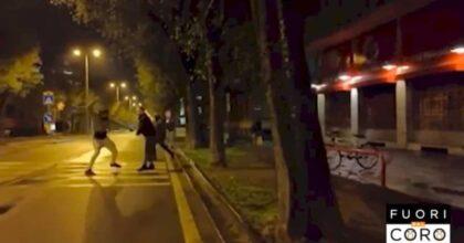 Fuori dal coro, troupe Mediaset aggredita a Cuneo con una catena di metallo