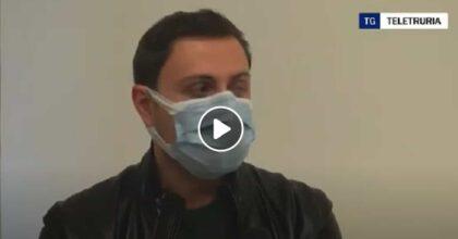 """Giacomo racconta a Teletruria quando ha detto di essere gay: """"Mio zio mi aggredì con la bombola del gas"""" VIDEO"""