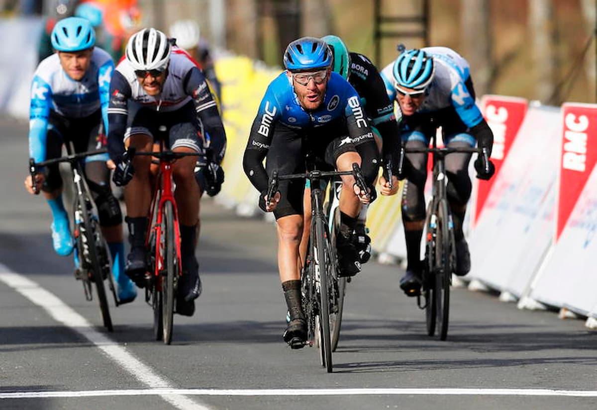 Giro delle Fiandre, trionfa il danese Kasper Asgreen, che in volata batte il super favorito Mathieu Van Der Poel