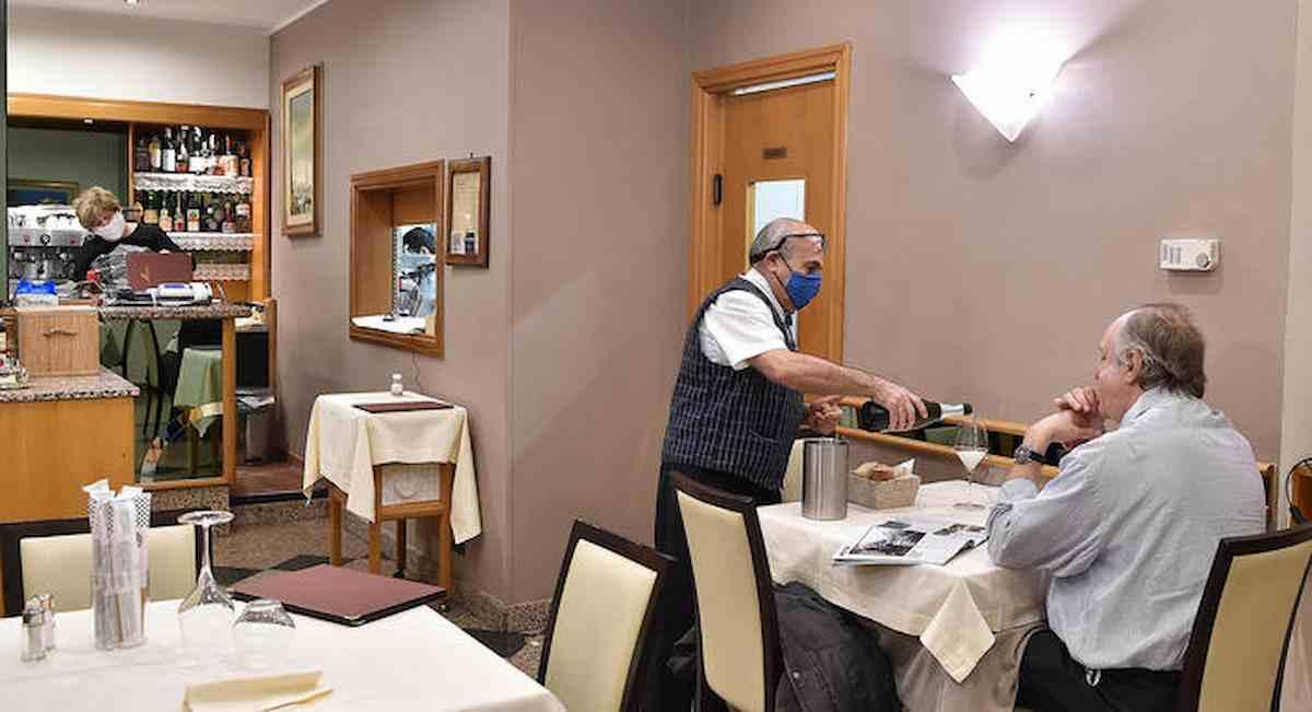 Green Pass, l'Alto Adige lo anticipa: da lunedì ristoranti aperti anche al chiuso