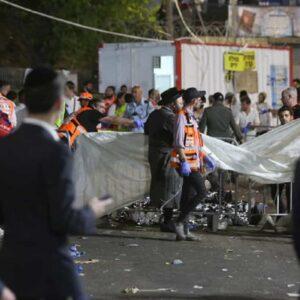 Israele, calca al pellegrinaggio sul monte Meron. Passerella scivolosa, morte calpestate 44 persone