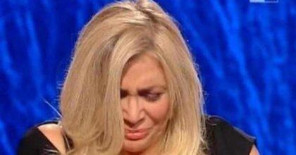 """Carmela di Domenica In morta di Covid a 50 anni. Mara Venier in lacrime: """"L'ho avuta con me per 30 anni"""""""