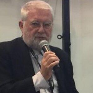 Massimo Melotti è morto: il noto critico d'arte colto da un malore mentre era in dad. Aveva 70 anni