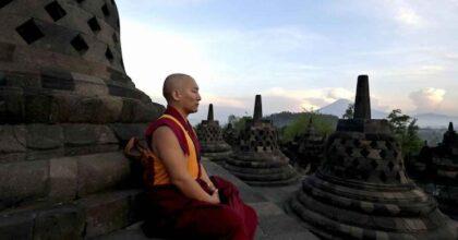 Thailandia, monaco buddhista si decapita con la ghigliottina come sacrificio a Buddha