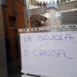 Scuole riaperture 26 aprile: metà restano chiuse. Con l'alibi dei pochi trasporti. Ma studenti su bus e metro solo 15% passeggeri