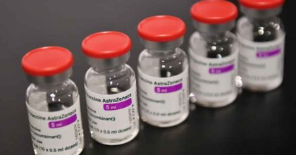 Astrazeneca prima dose, seconda dose con altro vaccino: sperimentazione Spallanzani, c'è anche Sputnik