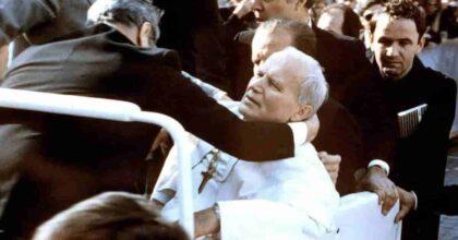 Attentato a Papa Giovanni Paolo II 40 anni fa: Alì Agca e tutti i misteri di quel 13 maggio 1981