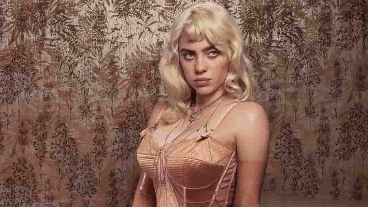 Billie Eilish su Vogue: FOTO sexy in copertina, mostra il corpo dopo una vita contro il bodyshaming