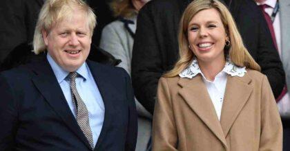 Boris Johnson sul lastrico, la lista delle spese: il divorzio dalla moglie, la ristrutturazione dell'appartamento a Downing Street, gli arredamenti di lusso... UK