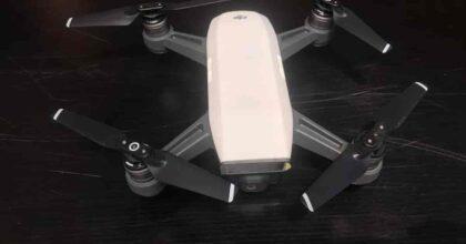 Napoli: usava un drone per controllare spostamenti di Polizia e Carabinieri, pusher arrestato