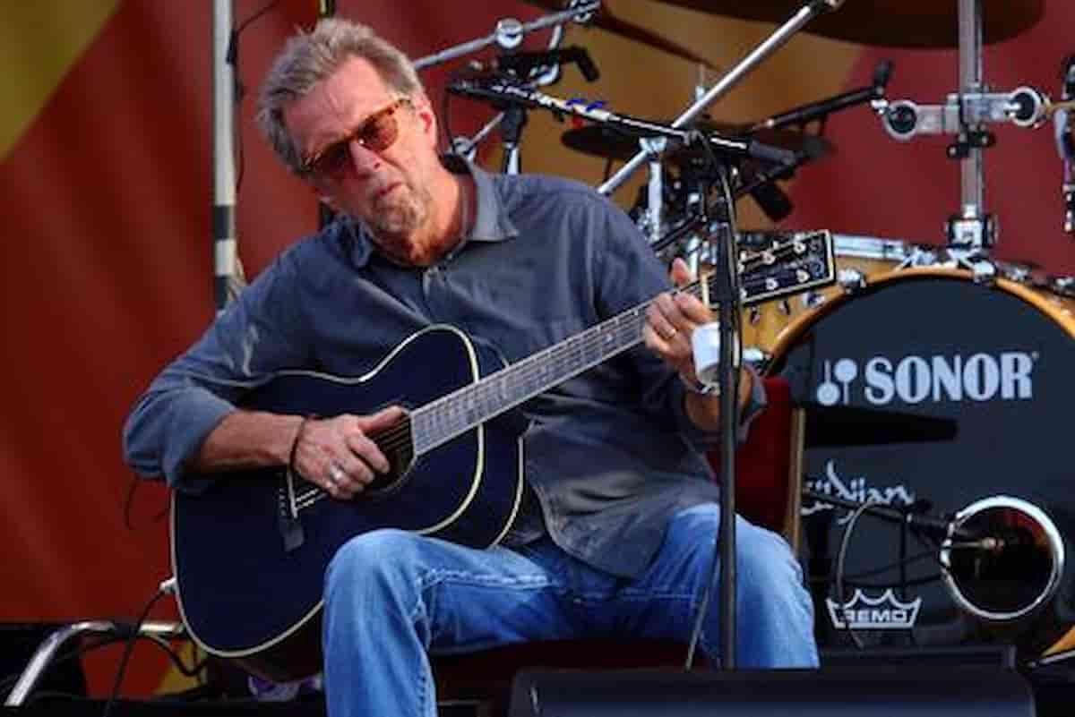 Eric Clapton vaccino astrazeneca