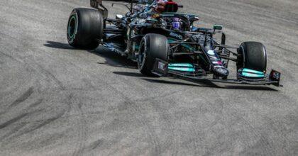 Formula 1, Lewis Hamilton ha vinto il GP del Portogallo. Due Mercedes sul podio, solo una Ferrari andata a punti