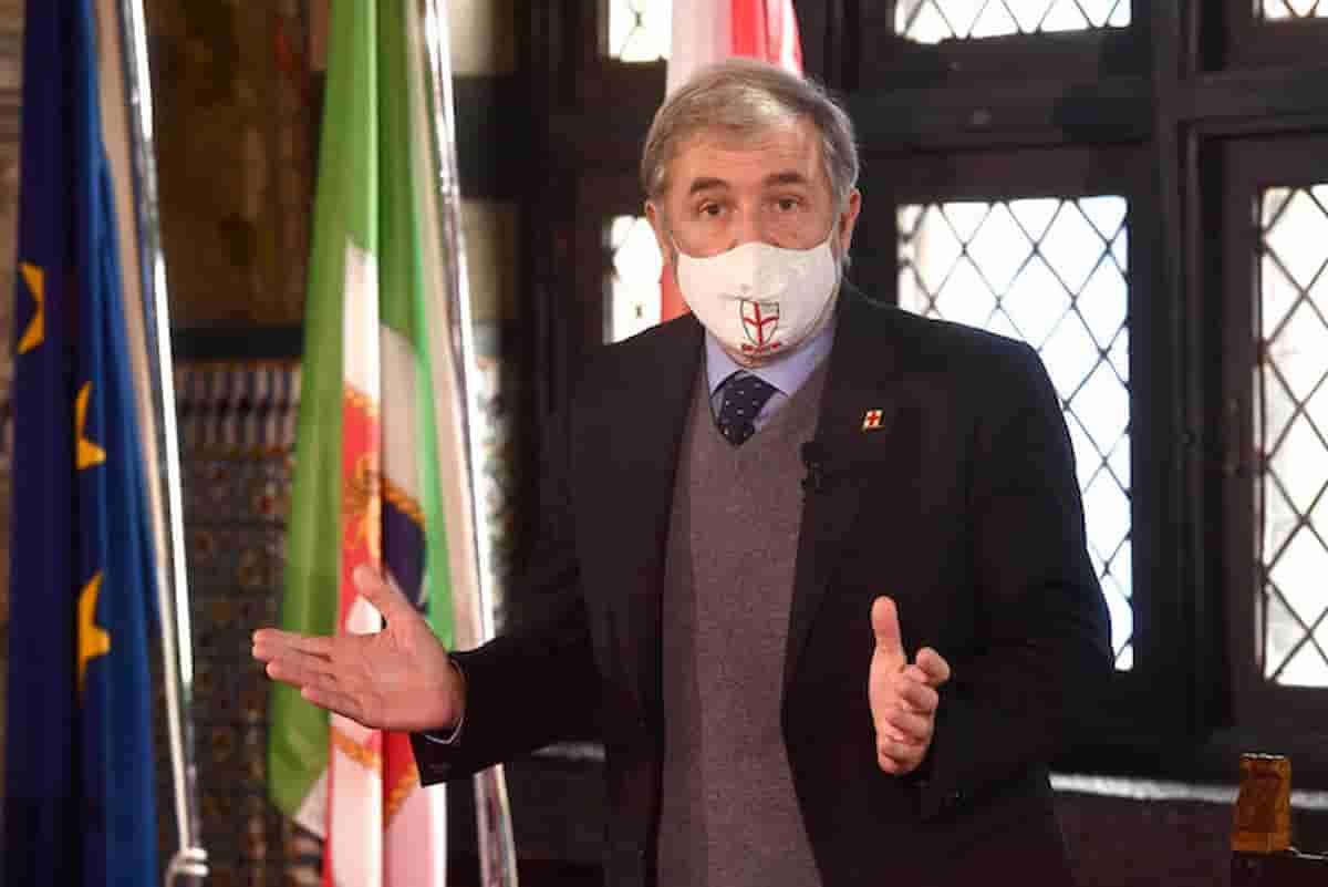 Genova, il sindaco Bucci sviene per la sindrome vagale: infortunio in casa, frattura di sei costole
