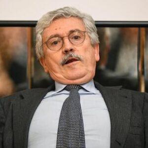D'Alema, dopo casa, barca e scarpe uno stipendio eurosocialista: era dovuto? Lui si difende: losca manovra