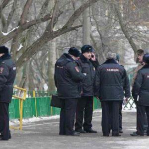 Russia, accoltella e uccide tre passanti a Ekaterinburg. Per la polizia è colpa dell'alcol