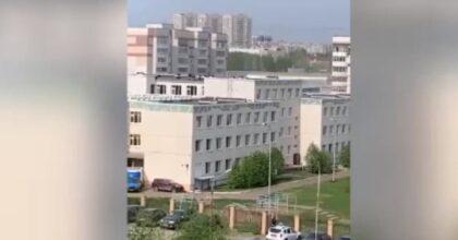 Strage in una scuola a Kazan, ragazzo uccide bambini e insegnanti. Ragazzi si buttano dalle finestre VIDEO