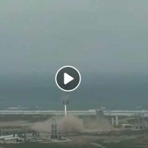 SpaceX, primo atterraggio riuscito per la navicella di Elon Musk dopo 4 esplosioni VIDEO