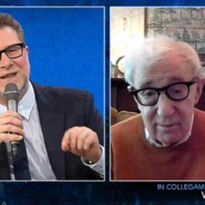 """Woody Allen a Che tempo che fa: """"Tutti mi prendono per un intellettuale solo perché porto questi occhiali"""""""