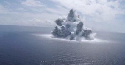 Mega esplosione in mare per testare la portaerei Usa: come una scossa di terremoto 3.9 VIDEO