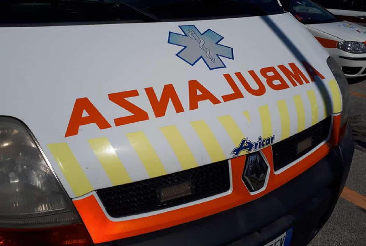 Incidente a San Nicola la Strada: madre e figlia investite da una minicar, la donna muore in ospedale