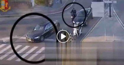 Cesara Buonamici al Tg5 lancia il servizio...sulla rapina della banda del Rolex a Cesara Buonamici VIDEO